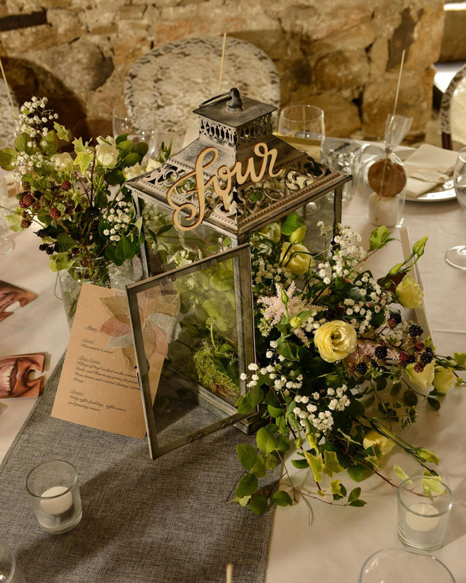 healey-barn-wedding-venue-styling-northumberland-hessian-lace3